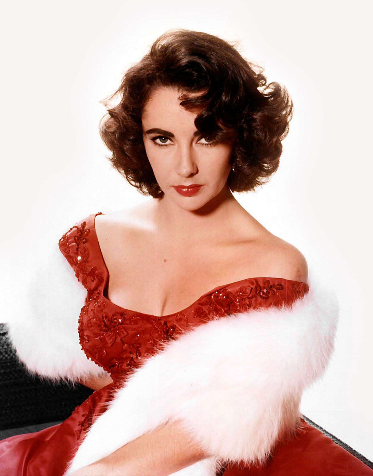 If Legendary Old Hollywood Stars Were on Instagram Today: Elizabeth Taylor | Not Dressed As Lamb (image: WikiCommons)